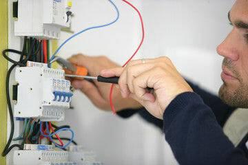 Serviços elétricos 24 horas em Santo André